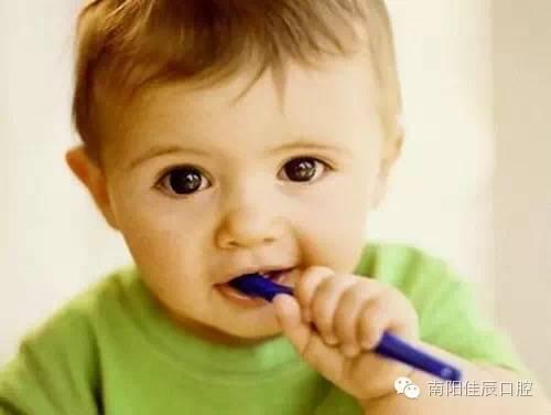 十个月宝宝牙齿发黑怎么回事