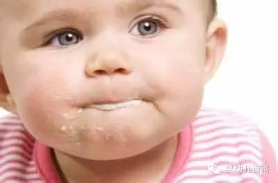 宝宝为什么老吐奶?