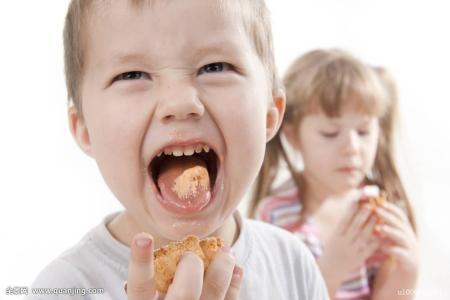 妈妈最易忽视宝宝的三个坏习惯