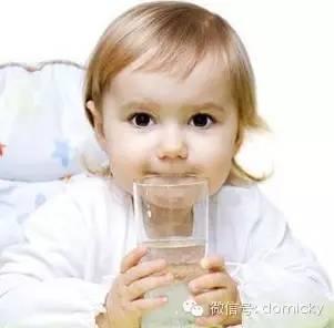解决宝宝不爱喝水的八大妙招