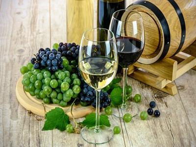 wine-1761613__340 (1)_副本.jpg