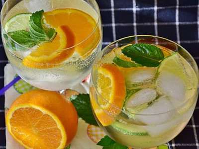 cocktail-2387066__340_副本.jpg